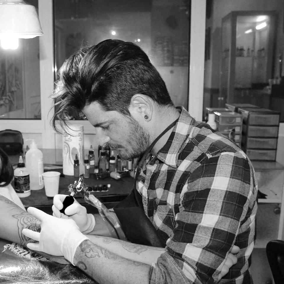 Paul Petroianu - Tatuatore